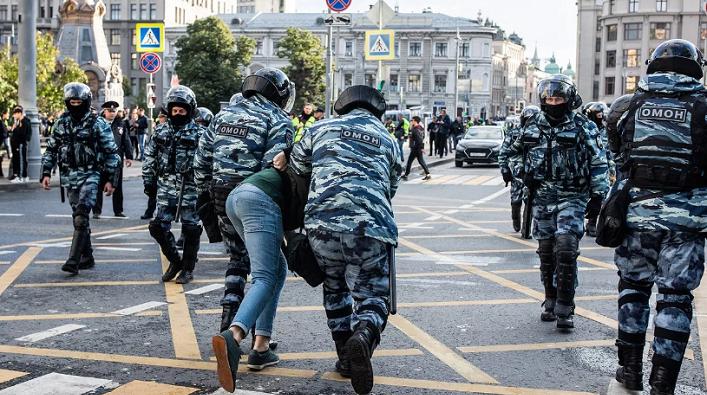 МВС Нацполіція Арсен Аваков Омон Беркут розгін мирного протесту